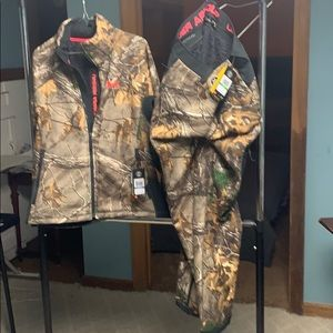 Brand new Under Armour Cold Gear Camo outfit